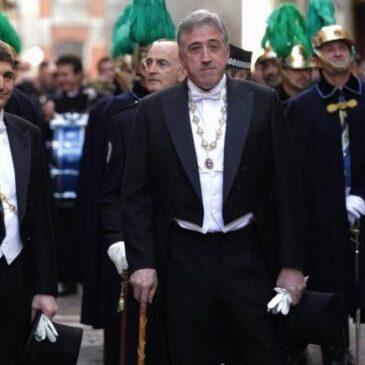 Saludo e invitación a AISS del alcalde de Pamplona por San Fermín